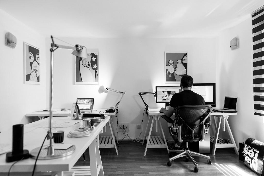 office-932926_1920